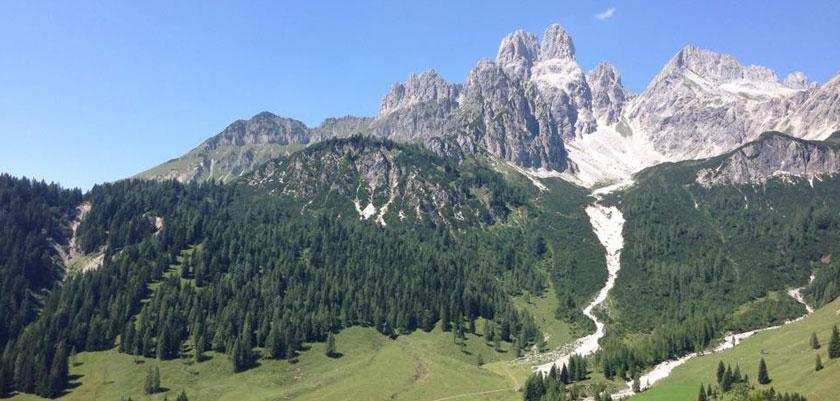 Filzmoos, Austria - Bischofsmutze berg.jpg